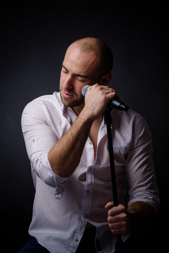 Adnan Nezirov pjevač